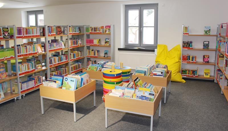 Bücherei bilder  Mehrgenerationenhaus und Bücherei